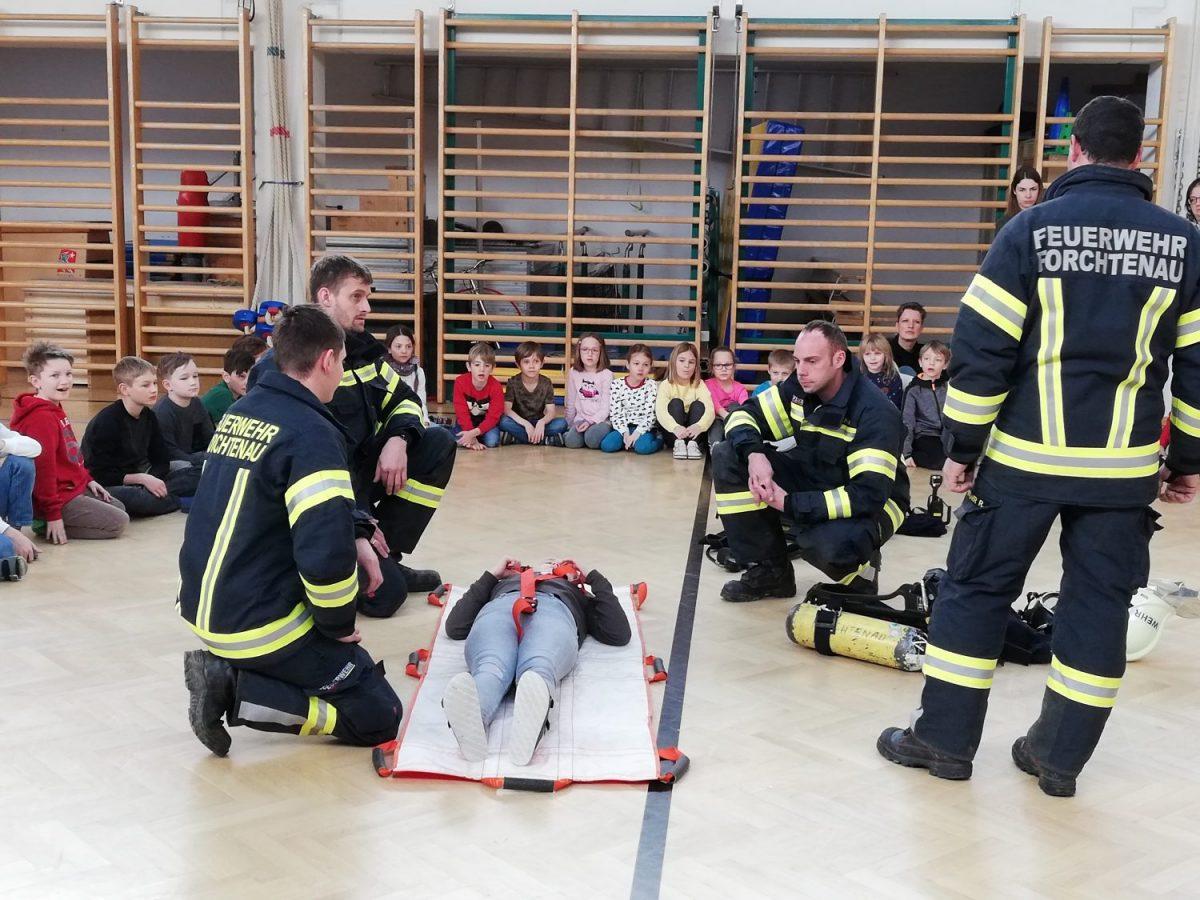 Feuerwehrübung Volksschule Forchtenstein 01